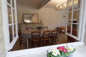 salle-a-manger-depuis-terrasse-1200-800